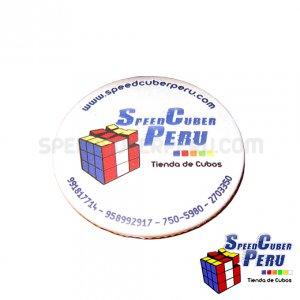 Pin y llavero de Speedcuber Perú